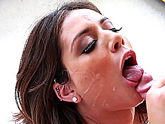 Jynx Maze makes this one very erotic blowjob